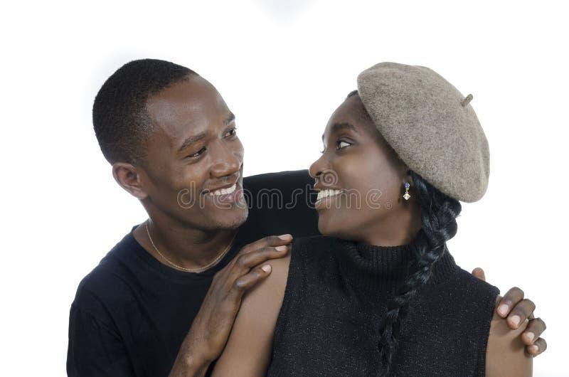Pares africanos novos fotografia de stock royalty free