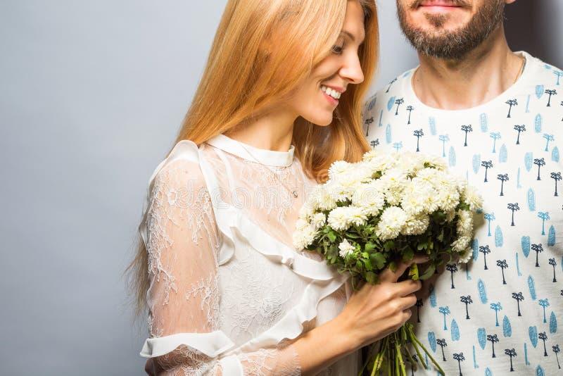 Pares, amor, jovem, homem, estúdio, mulher, bonito, 'sexy', backgr foto de stock