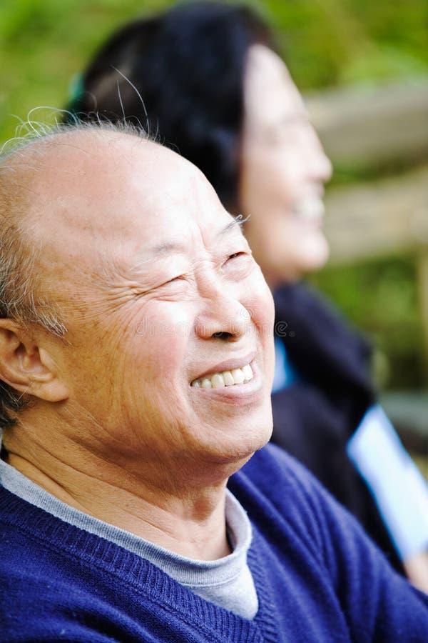Pares asiáticos sênior foto de stock