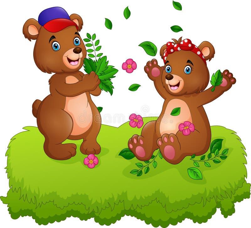 Pares bonitos de ursos de peluche que jogam com folhas caídas ilustração royalty free