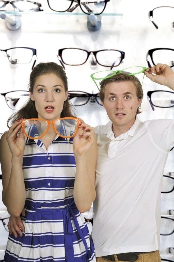 Pares con los vidrios tontos foto de archivo libre de regalías