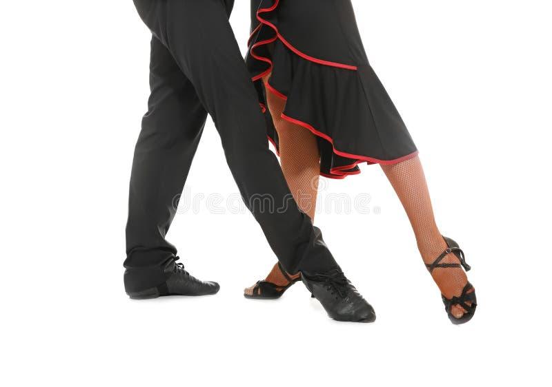 Pares de bailarines jovenes imagen de archivo libre de regalías