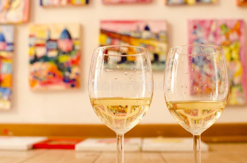 Pares de copas de vino fotografía de archivo libre de regalías