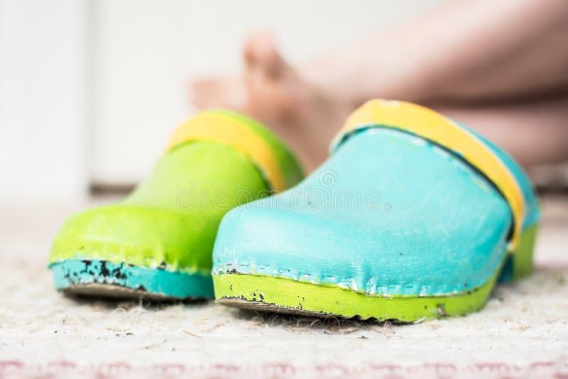 Pares de estorbos coloridos imagenes de archivo