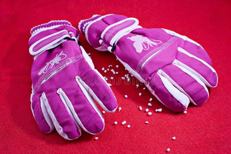 Pares de guantes del invierno foto de archivo