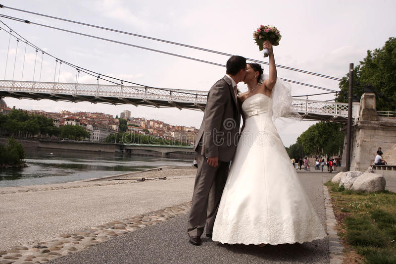 Pares de la boda imagenes de archivo