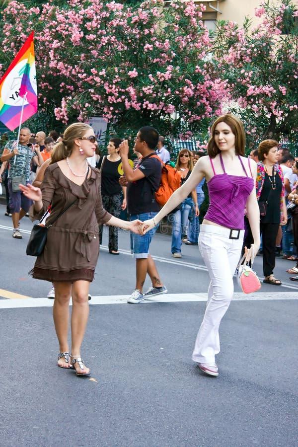 Pares de las mujeres. Orgullo alegre 2009 foto de archivo