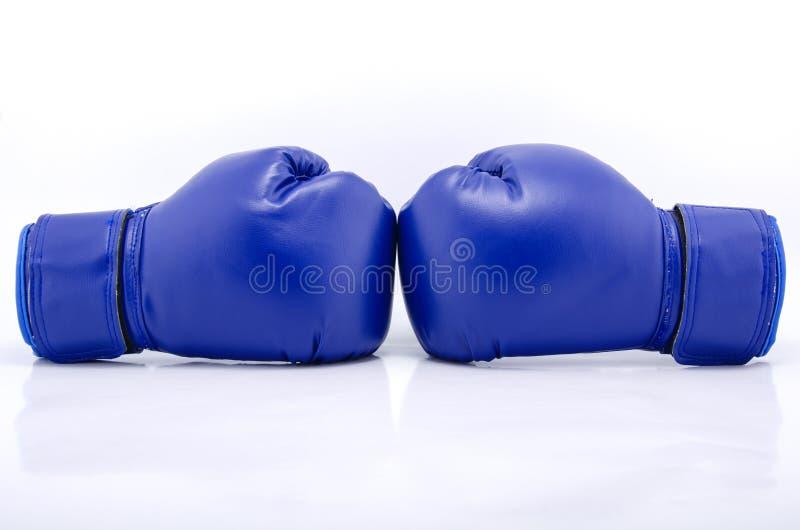 Pares de luvas de encaixotamento protetoras azuis fotografia de stock