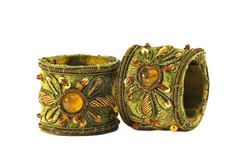 Pares de pulseras indias aisladas foto de archivo