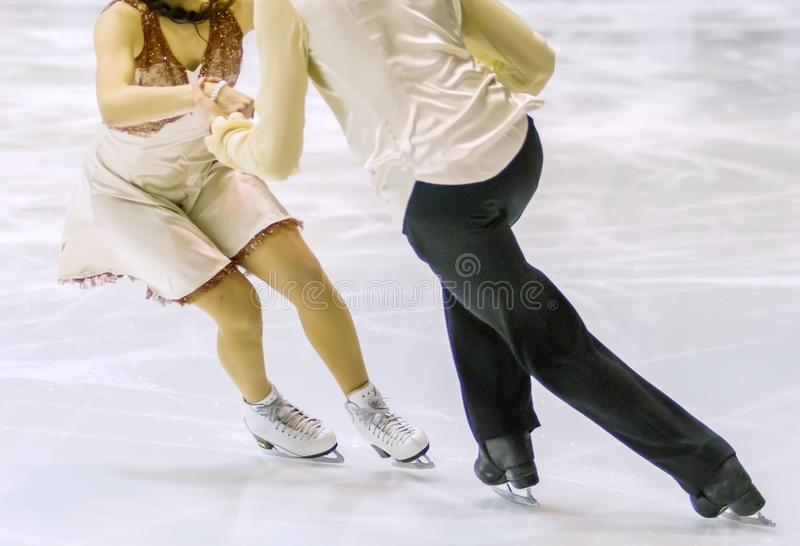 pares del patinaje de hielo fotos de archivo libres de regalías