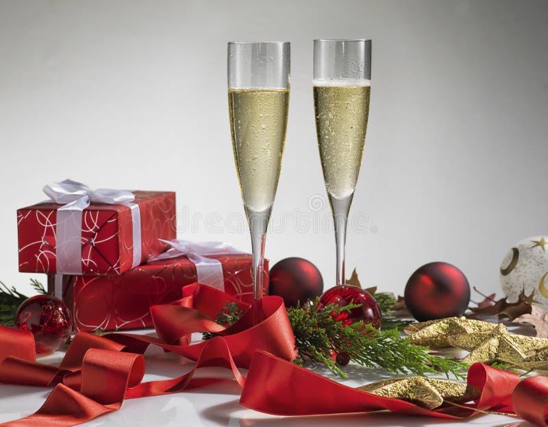 Pares del vidrio de champán Celebración o la Navidad del Año Nuevo fotografía de archivo libre de regalías