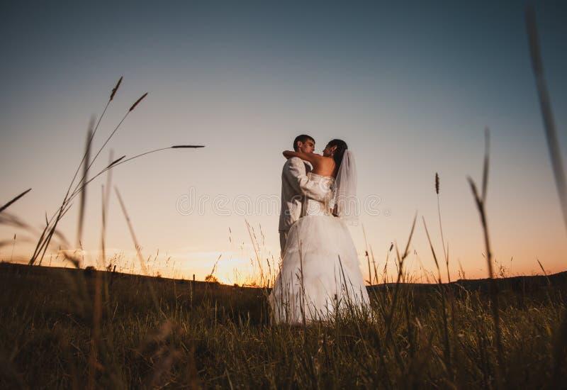 Pares do casamento da dança fotos de stock royalty free