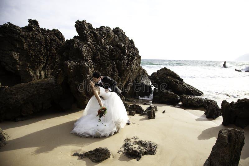 Pares do casamento dos pares foto de stock