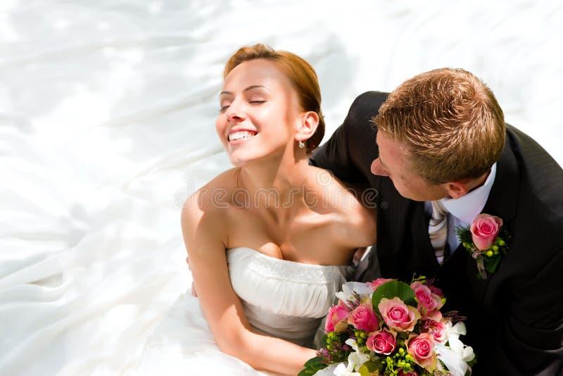 Pares do casamento - noiva e noivo imagem de stock royalty free