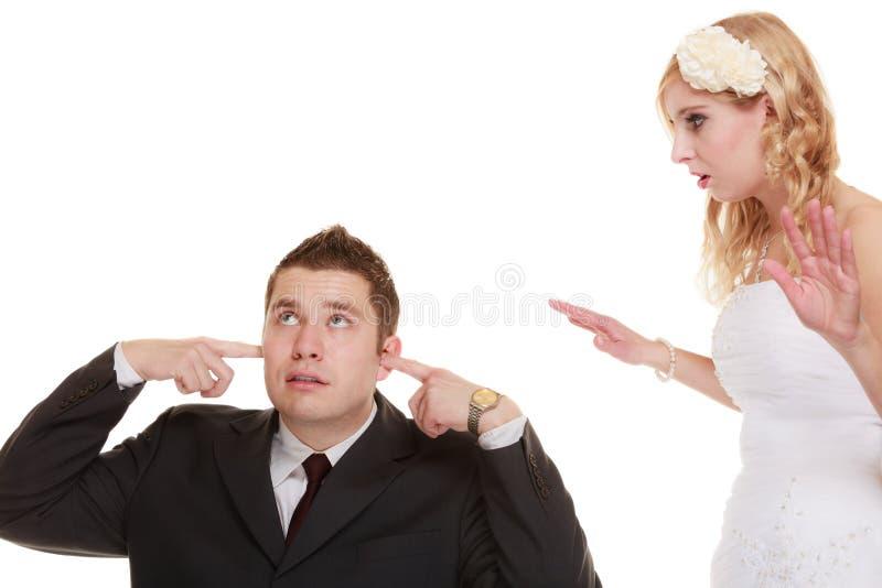 Pares do casamento que têm o conflito do argumento, relacionamentos maus foto de stock royalty free
