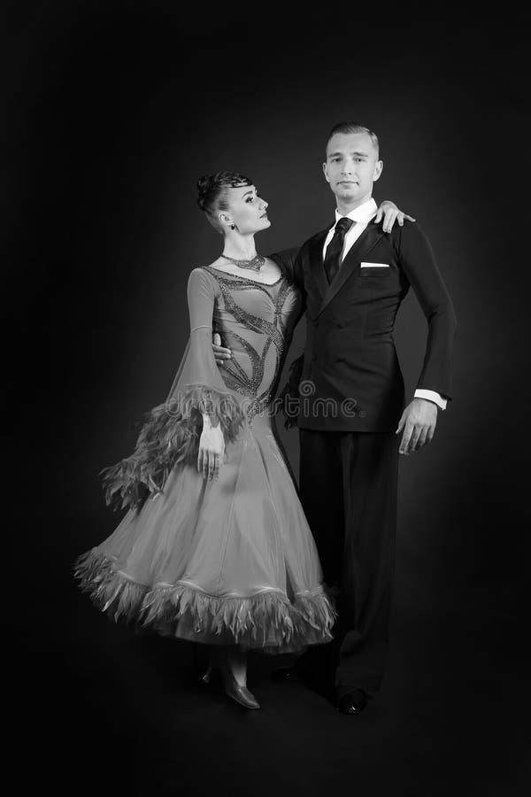 Pares do salão de baile no amor imagens de stock royalty free
