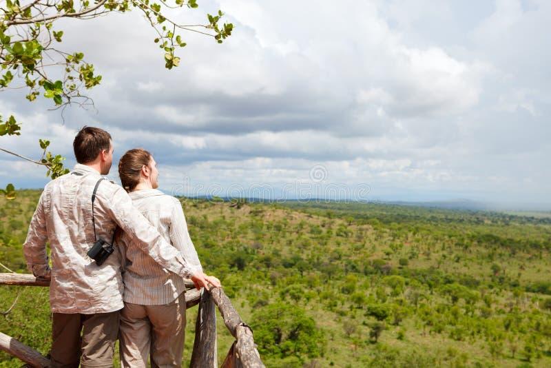 Pares em férias do safari fotos de stock