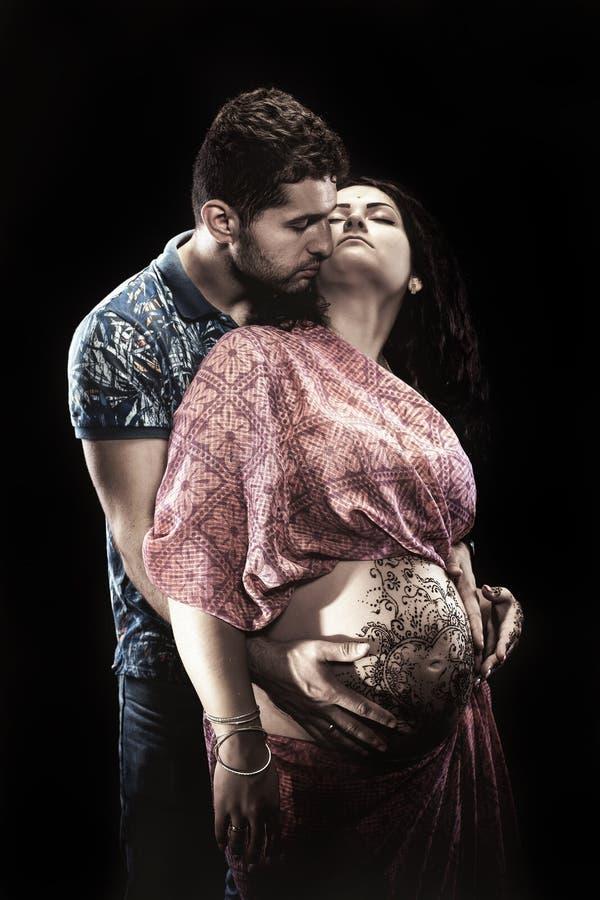 Pares en embarazo imagen de archivo
