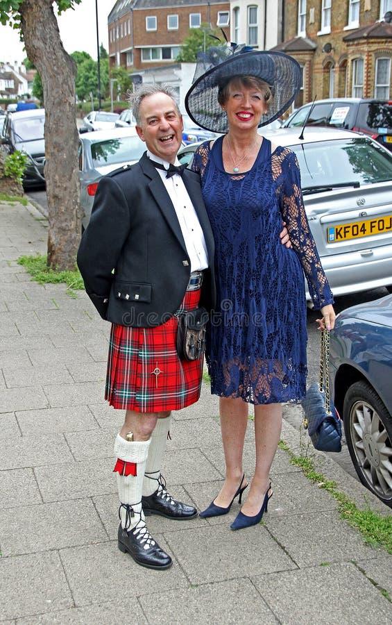 Pares escoceses de la boda imagenes de archivo
