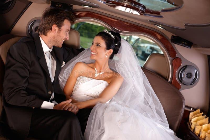 Pares felices el boda-día fotos de archivo libres de regalías