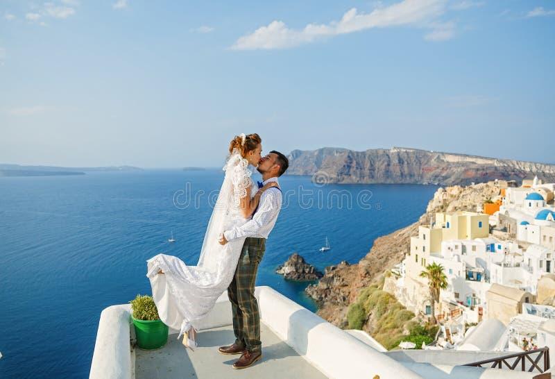 Pares hermosos de la boda imagen de archivo