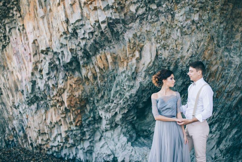 Pares hermosos en la roca fotografía de archivo libre de regalías