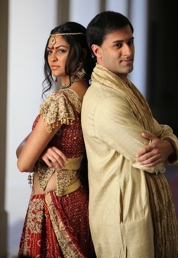 Pares indianos bonitos imagem de stock royalty free