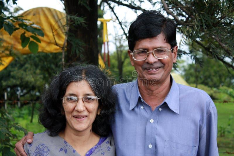 Pares indianos de meia idade fotografia de stock royalty free