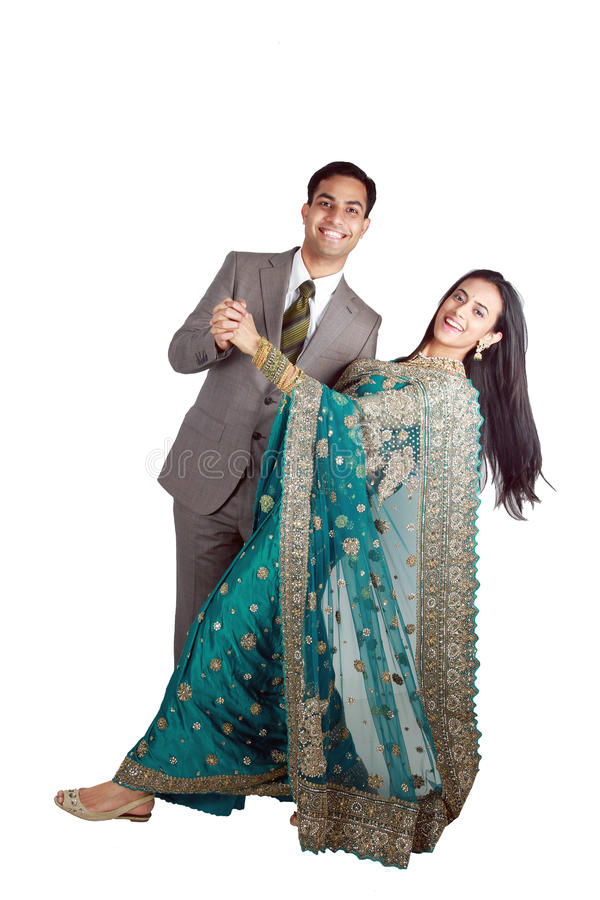 Pares indianos no desgaste tradicional. imagem de stock royalty free