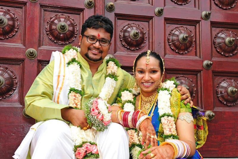 Pares indios de la boda foto de archivo