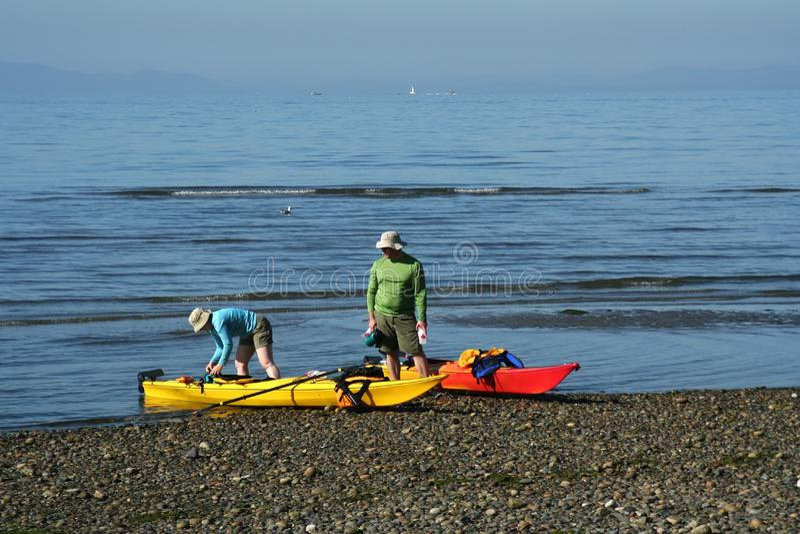 Pares Kayaking foto de stock royalty free