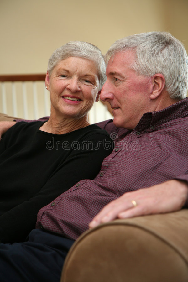 Download Pares mayores felices imagen de archivo. Imagen de pares - 1278623