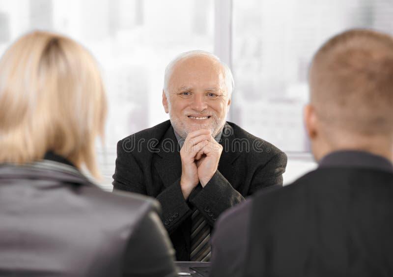 Pares no escritório de advogado imagem de stock