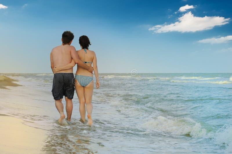Download Pares no seacoast foto de stock. Imagem de pares, praia - 10060424