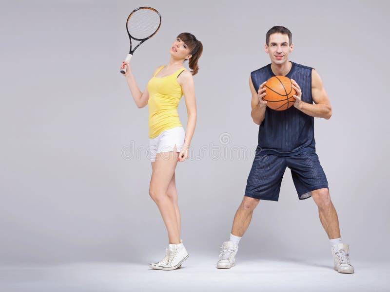 Pares atléticos durante o treinamento foto de stock royalty free