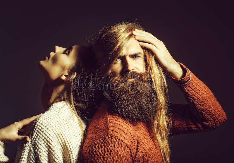Pares novos com cabelo desarrumado fotografia de stock
