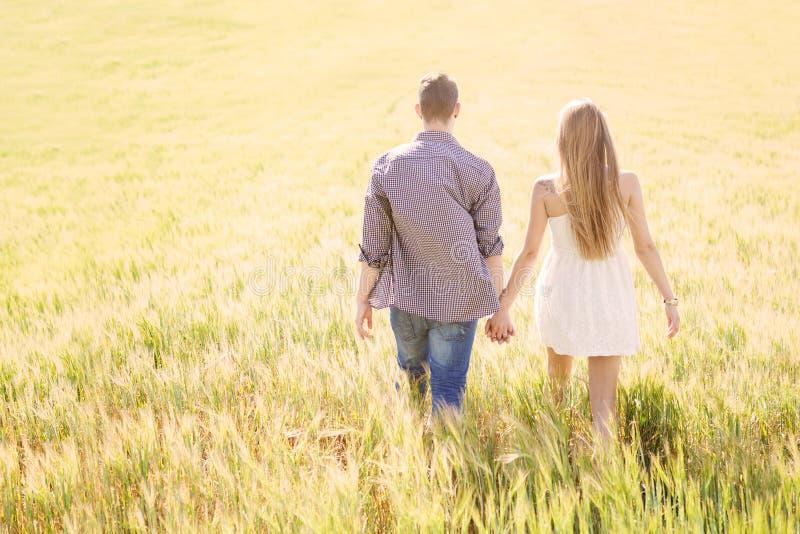 Pares románticos fotos de archivo libres de regalías
