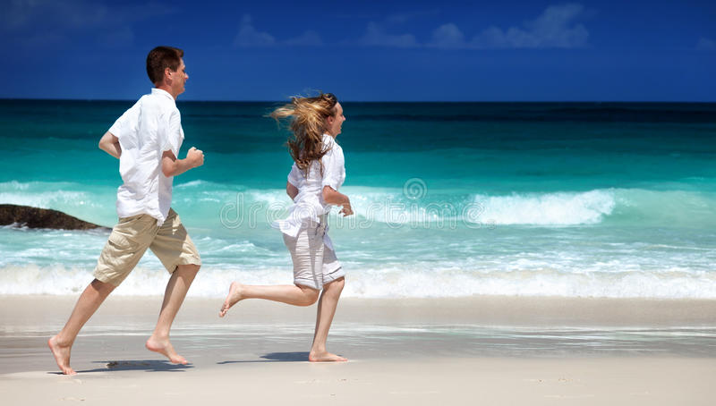 Pares românticos do homem e da mulher fotografia de stock