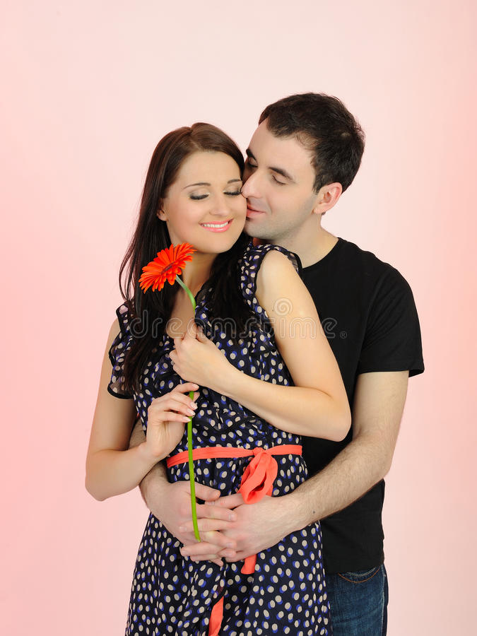 Pares românticos encantadores fotografia de stock royalty free