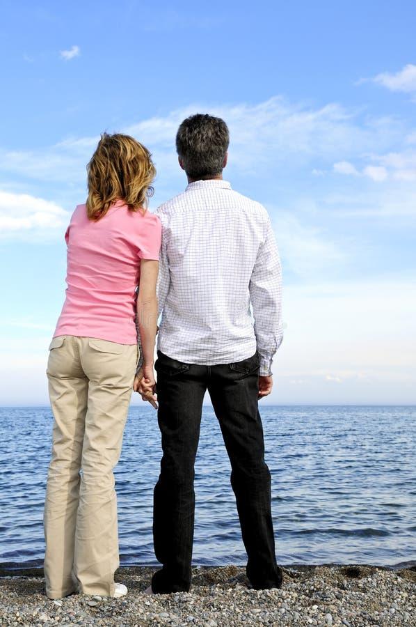 Pares românticos maduros fotografia de stock