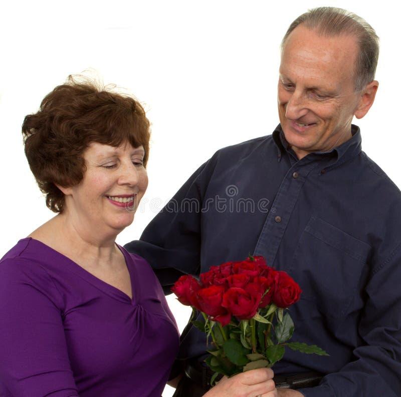 Pares sênior românticos fotografia de stock