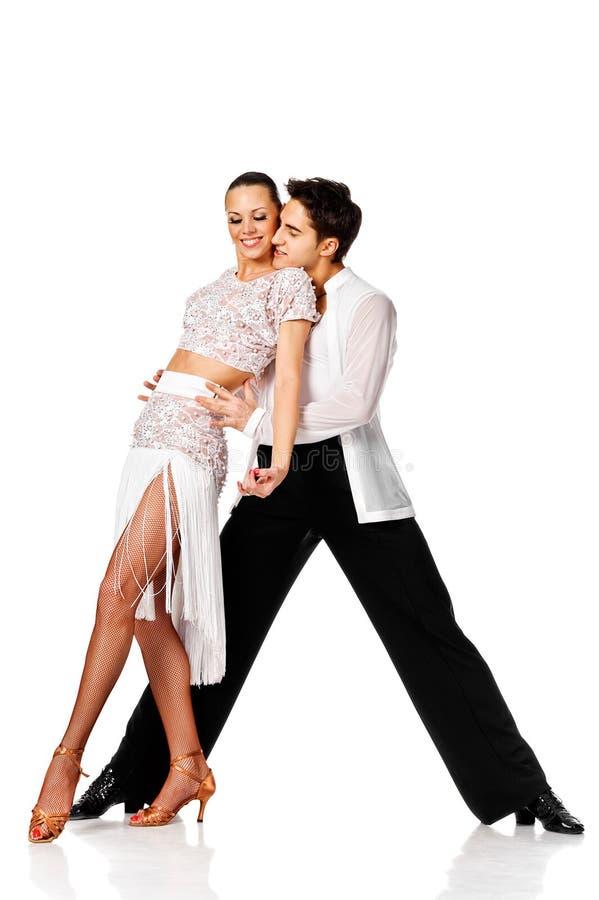 Pares sensuais da dança da salsa. Isolado imagem de stock royalty free