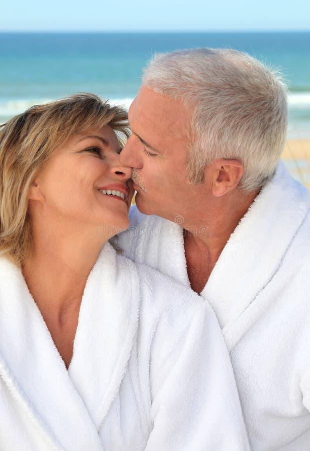 Pares superiores em férias imagem de stock royalty free