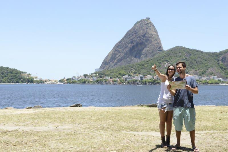 Pares turísticos en Rio de Janeiro fotografía de archivo libre de regalías