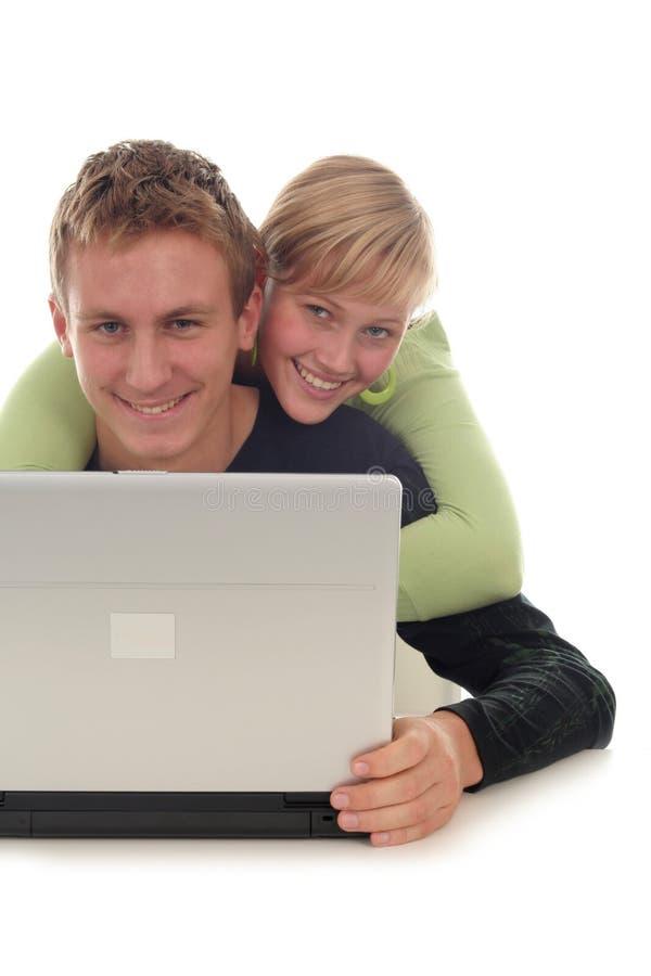 Pares usando el ordenador portátil