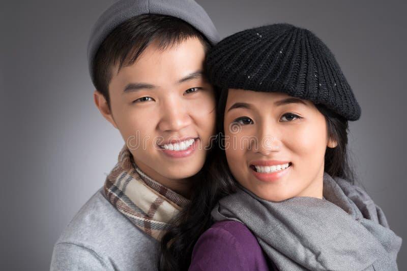 Pares vietnamitas jovenes fotografía de archivo libre de regalías