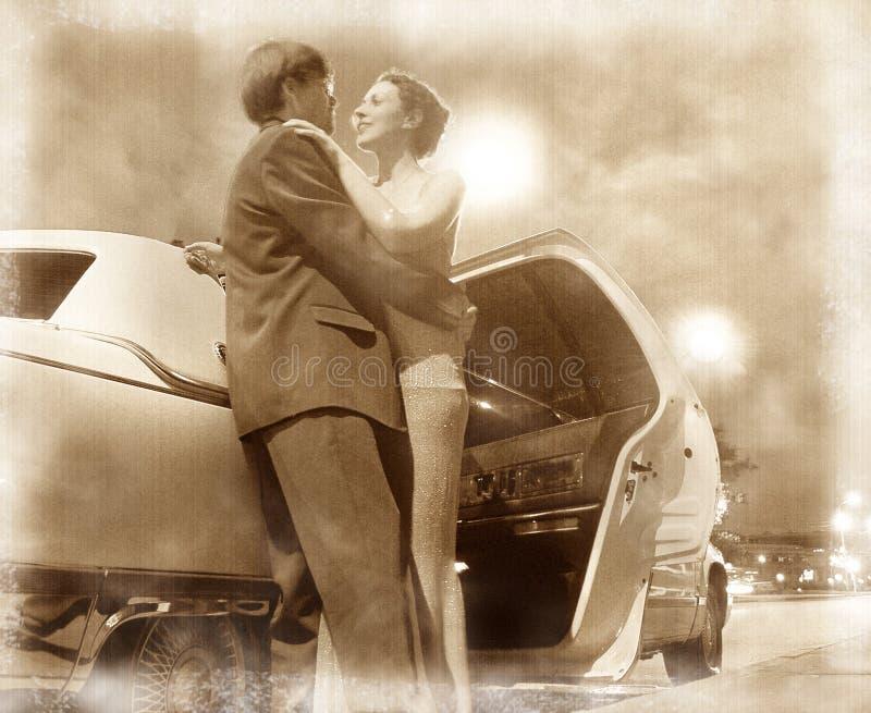 Pares y coche imagenes de archivo