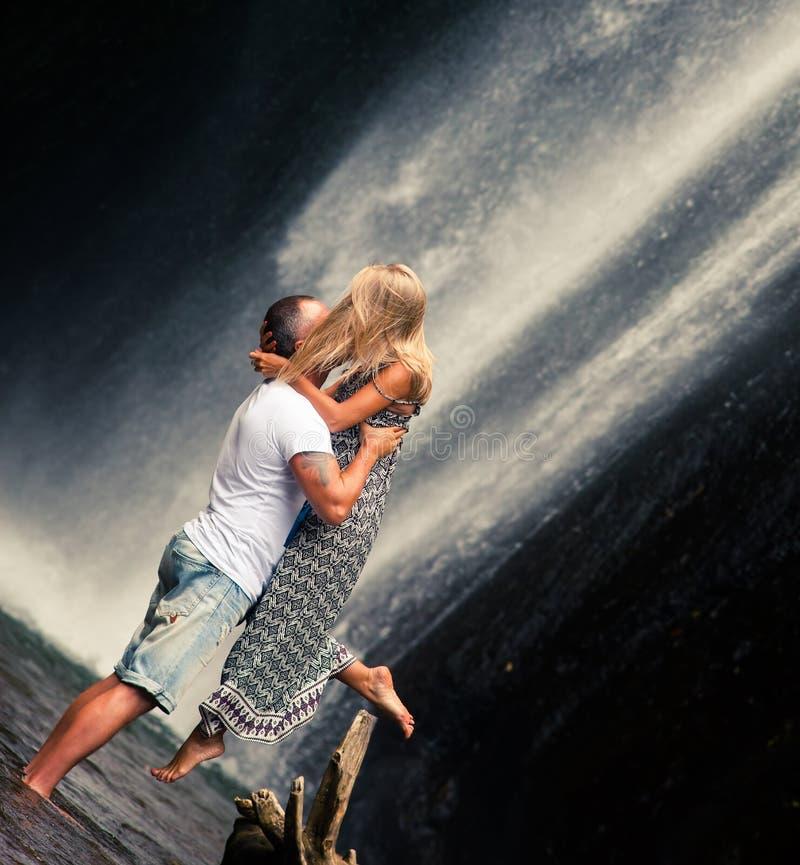 Paret reser till Bali fotografering för bildbyråer