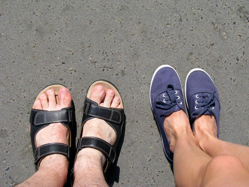 paret shoes sommar två arkivfoton