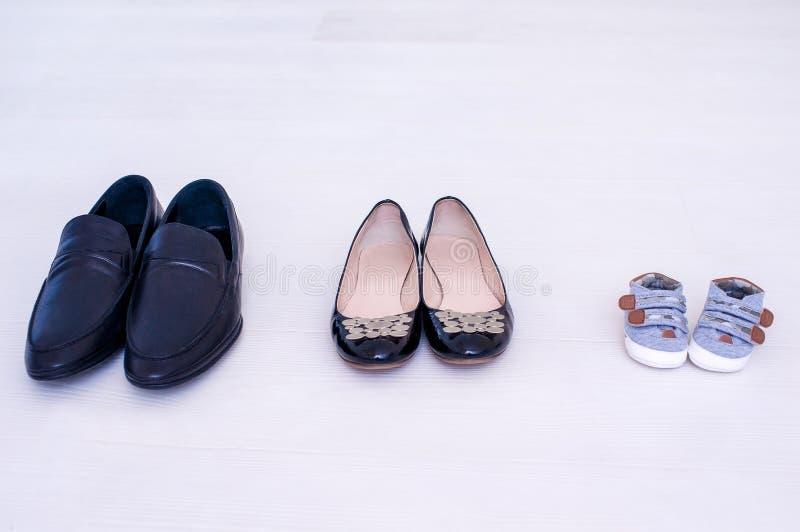 paret shoes tre fotografering för bildbyråer